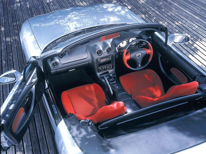 Pod lupou: Mazda MX-5 – Dvacet let s větrem ve vlasech (Díl druhý): - fotka 212