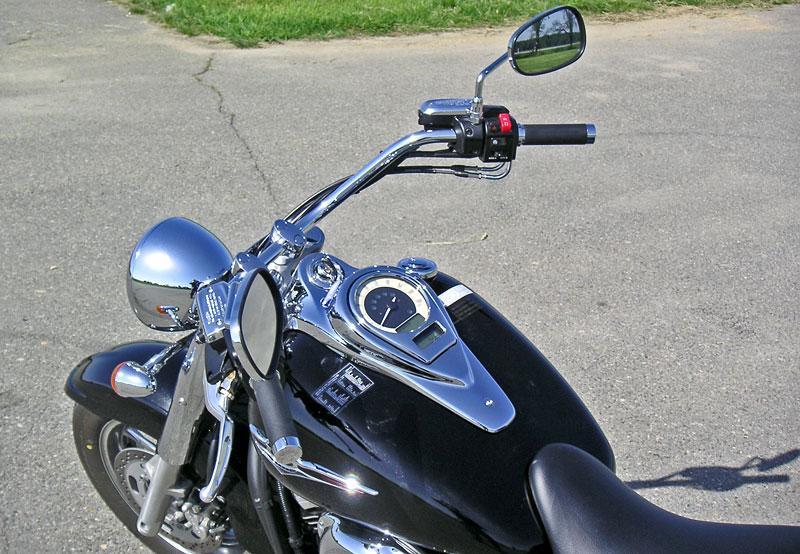 Za řídítky - Kawasaki VN1700 Classic a VN1700 Voyager: - fotka 3