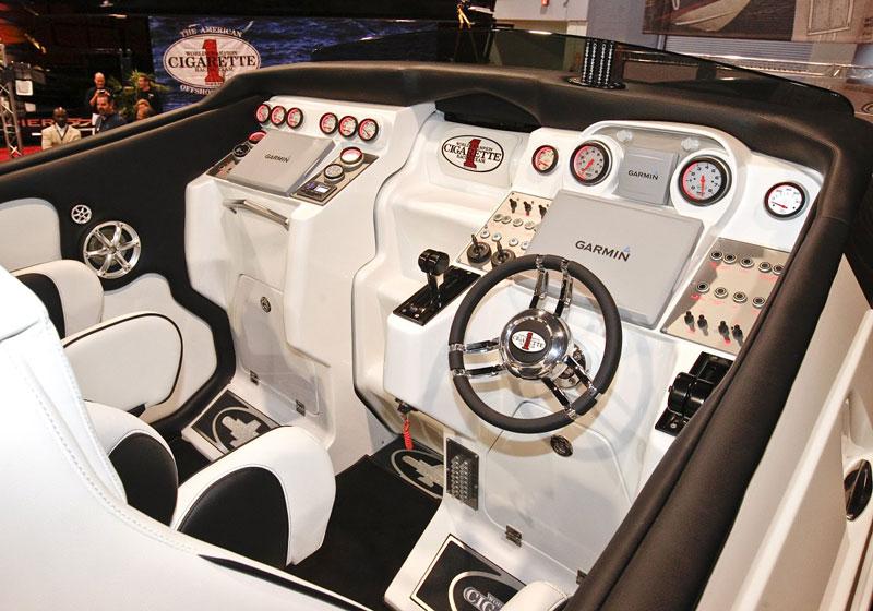 Mercedes-Benz SLS AMG inspirací pro rychlý motorový člun: - fotka 1