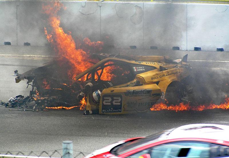 FIA GT: ošklivá havárie při závodě v Brně: - fotka 3