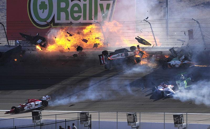 Las Vegas Indy 300: Zemřel Dan Wheldon: - fotka 3