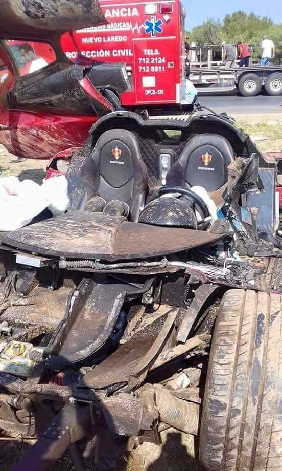 Koenigsegg CCX: Po havárii roztrhaný na kousky: - fotka 3