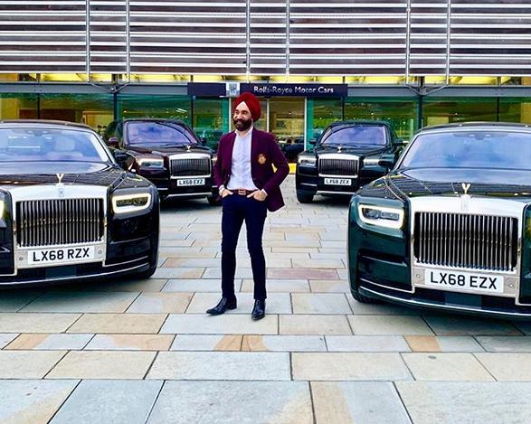 Indický miliardář si koupil najednou šest vozů Rolls-Royce. Jejich barvu vybíral tak, aby ladila s jeho turbanem: - fotka 3