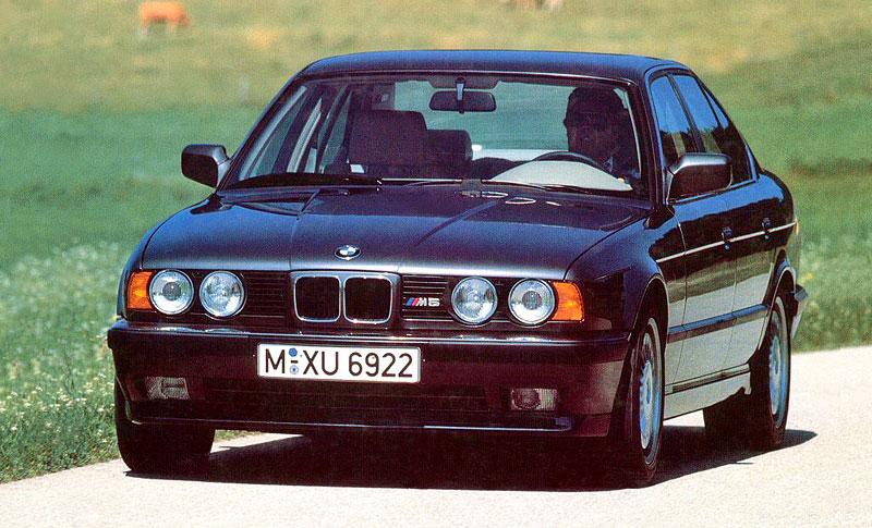 Pod lupou: BMW M5 - Bavorský dálniční expres: - fotka 38