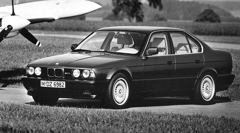 Pod lupou: BMW M5 - Bavorský dálniční expres: - fotka 41