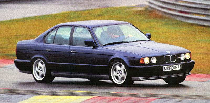 Pod lupou: BMW M5 - Bavorský dálniční expres: - fotka 44