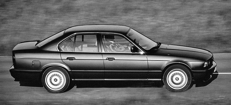Pod lupou: BMW M5 - Bavorský dálniční expres: - fotka 48