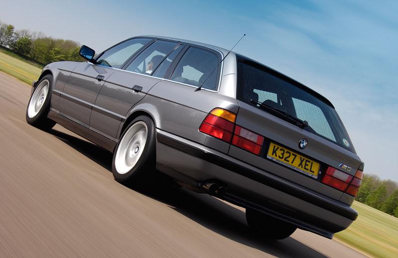 Pod lupou: BMW M5 - Bavorský dálniční expres: - fotka 59