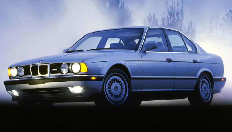 Pod lupou: BMW M5 - Bavorský dálniční expres: - fotka 60