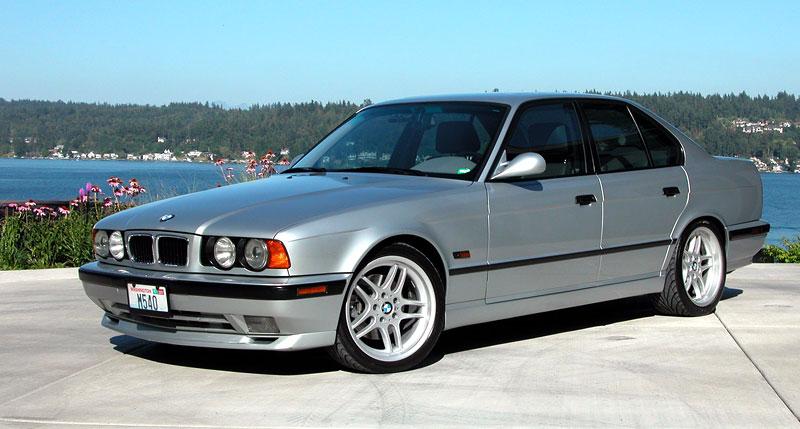 Pod lupou: BMW M5 - Bavorský dálniční expres: - fotka 61