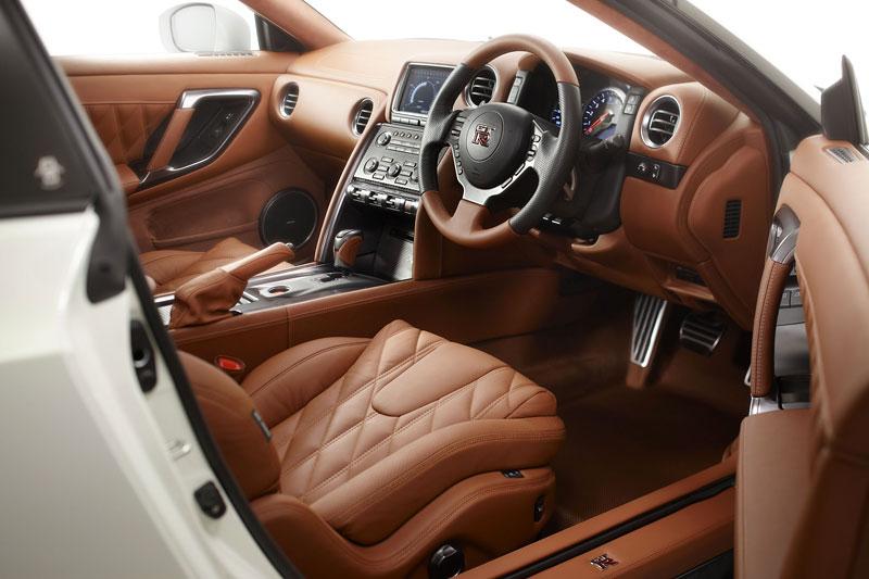 Nissan GT-R Egoist: je libo růžovou?: - fotka 9