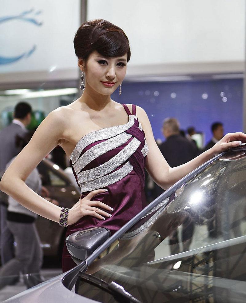 Šanghaj 2011: Babes, díl III.: - fotka 41