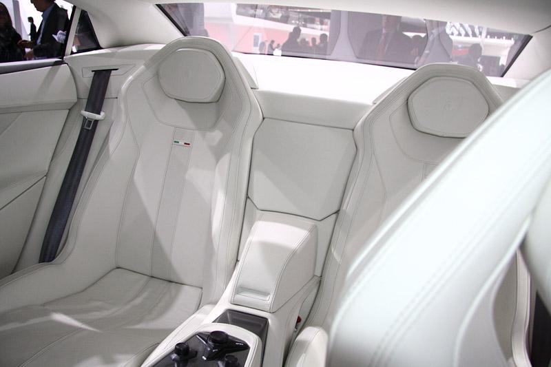 Lamborghini Estoque opět na pořadu dne?: - fotka 4