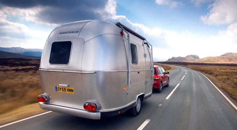 Airstream Bambi 422: stylový karavan pro Evropu: - fotka 5
