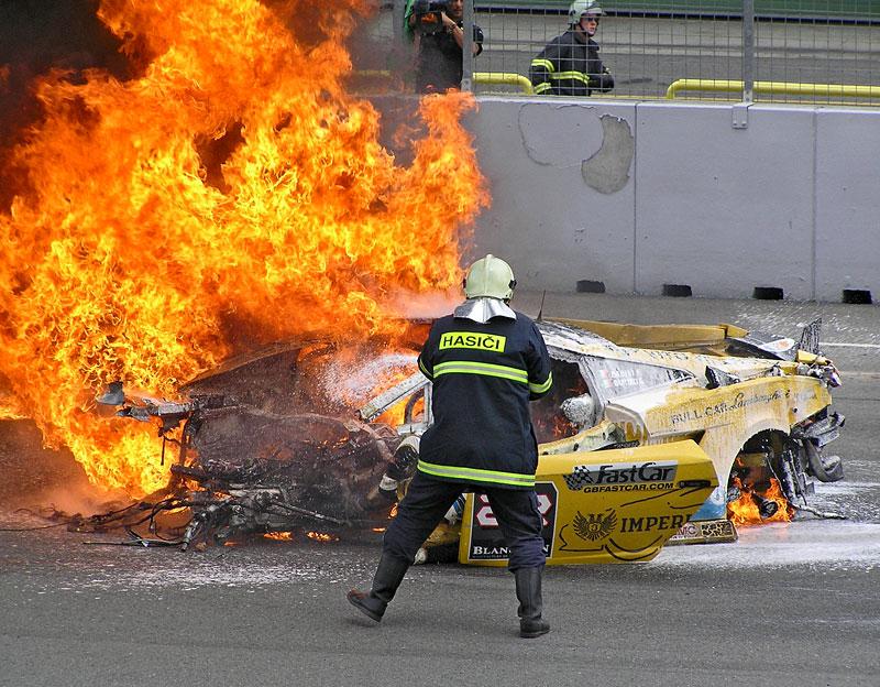 FIA GT: ošklivá havárie při závodě v Brně: - fotka 4