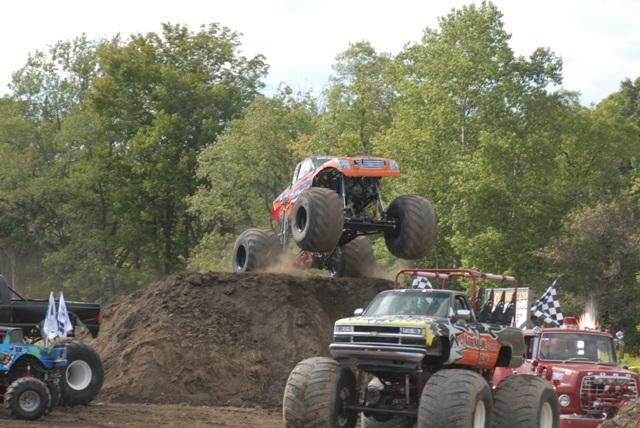 Bad Habit: Rekordní skok v monster trucku: - fotka 4