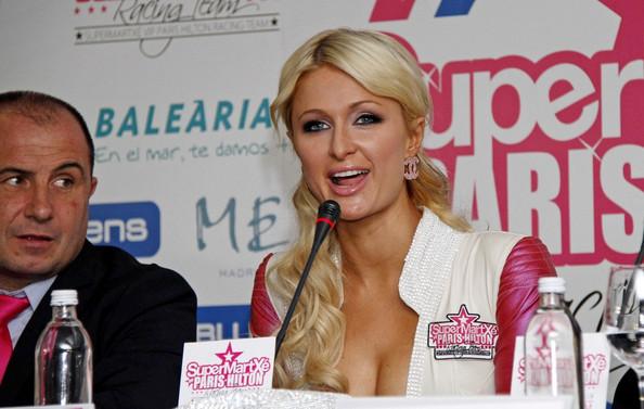 Paris Hilton vstupuje do MotoGP: - fotka 4
