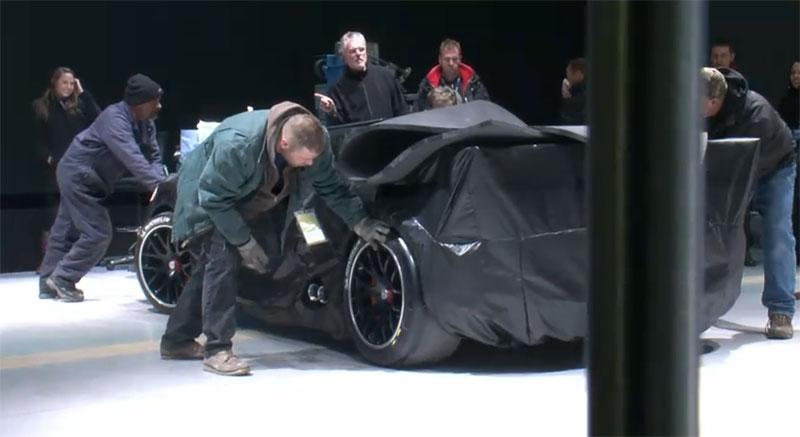 Koncept závodního Porsche 918 Coupe na cestě na autosalon: - fotka 4