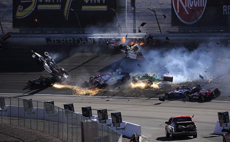 Las Vegas Indy 300: Zemřel Dan Wheldon: - fotka 4