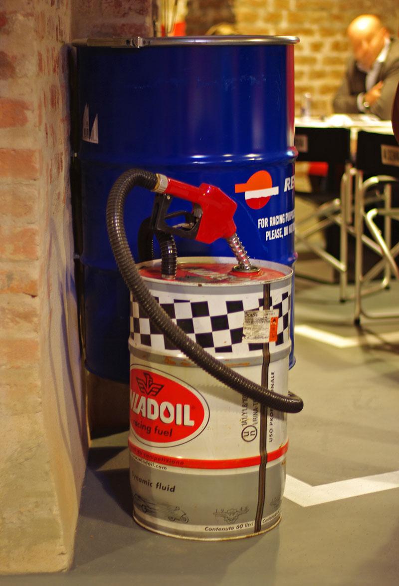 Bar.Club PITSTOP: nový petrolheadský pub v Nuslích: - fotka 3