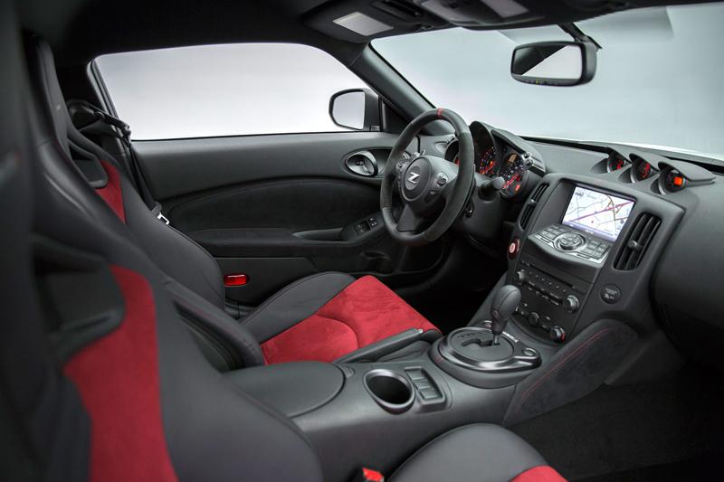 I ty, Nismo? Nissan 370Z bude z audiosystému pouštět falešný zvuk motoru: - fotka 3
