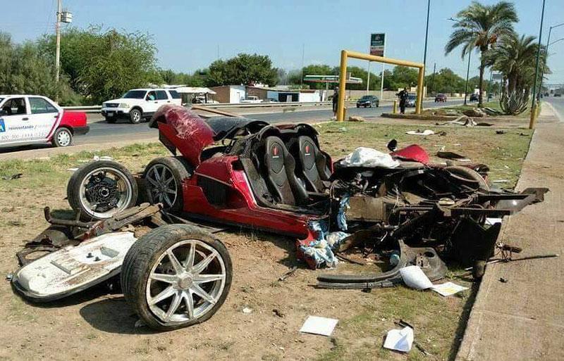 Koenigsegg CCX: Po havárii roztrhaný na kousky: - fotka 4