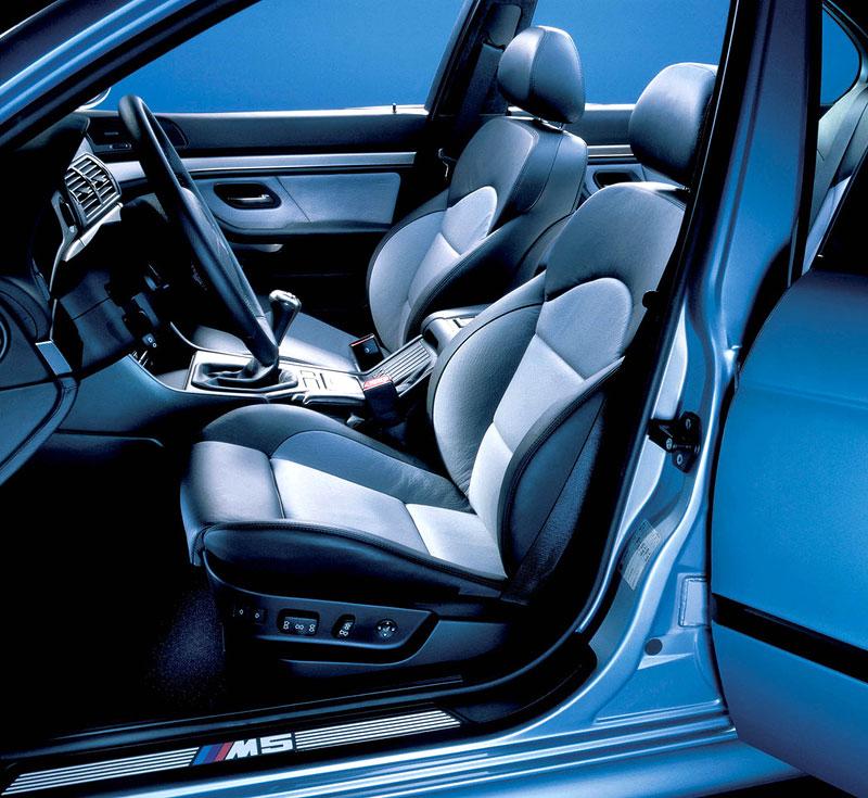 Pod lupou: BMW M5 - Bavorský dálniční expres: - fotka 65