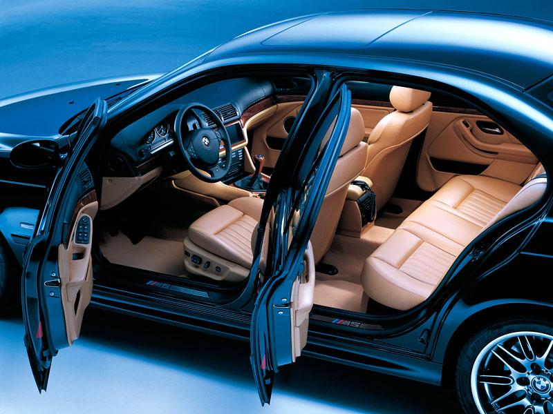 Pod lupou: BMW M5 - Bavorský dálniční expres: - fotka 66