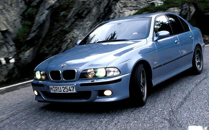 Pod lupou: BMW M5 - Bavorský dálniční expres: - fotka 71
