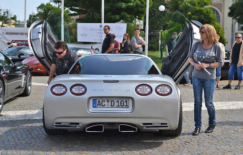 Corvette sraz Praha 2012: velká fotogalerie: - fotka 55