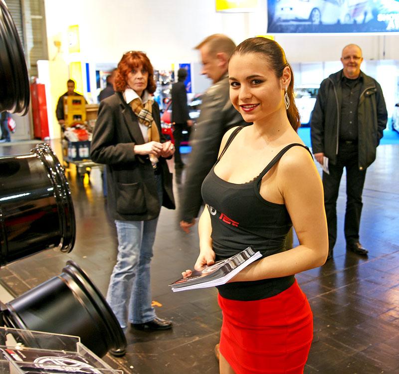 Essen 2009: nejhezčí holky výstavy: - fotka 12
