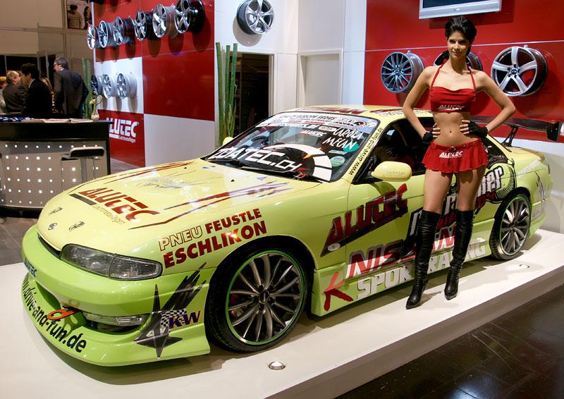 Essen 2009: nejhezčí holky výstavy: - fotka 16
