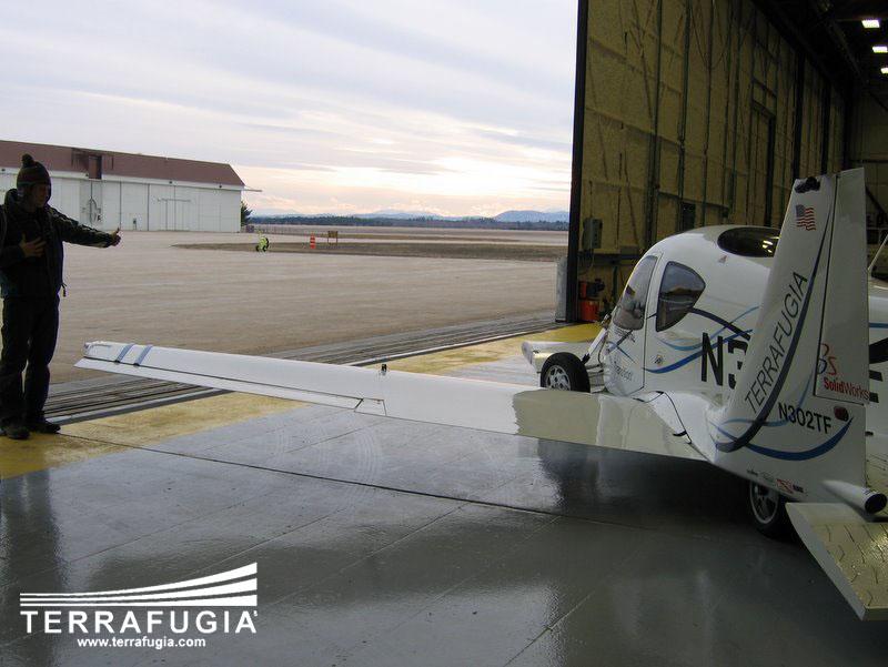 Terrafugia Transition: letadlo schopné jízdy po silnici: - fotka 4