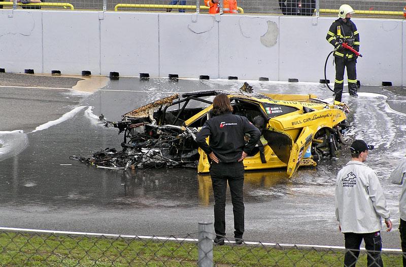 FIA GT: ošklivá havárie při závodě v Brně: - fotka 5