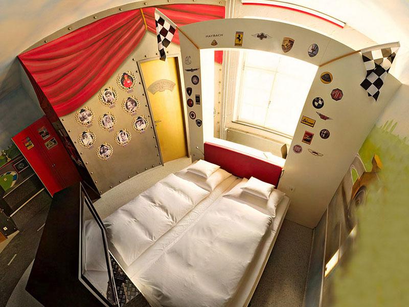 V8 hotel ve Stuttgartu: kdy jste naposledy přespali v myčce?: - fotka 5
