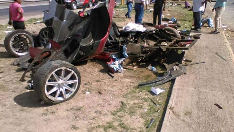 Koenigsegg CCX: Po havárii roztrhaný na kousky: - fotka 5