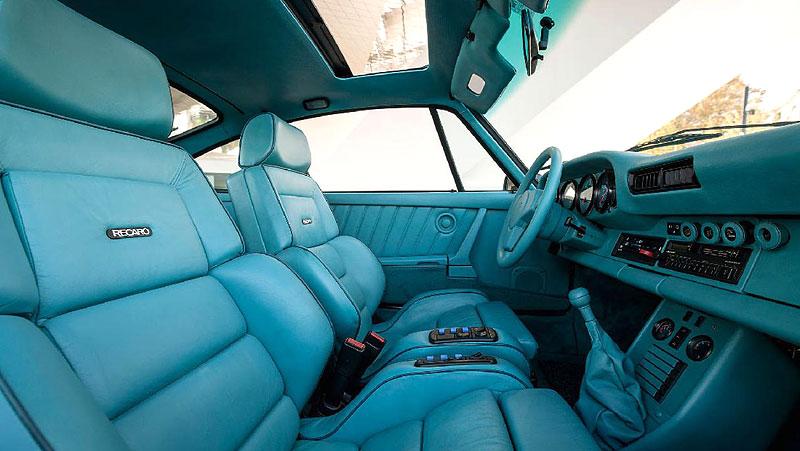 Prohlédněte si unikátní 911, která stála u zrodu oddělení Porsche Exclusive. Je tu hodně tyrkysové: - fotka 2