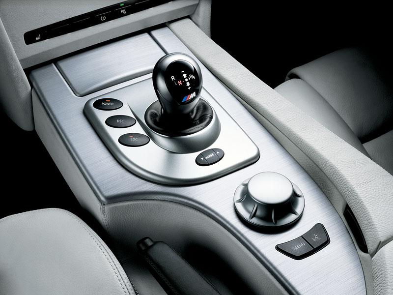 Pod lupou: BMW M5 - Bavorský dálniční expres: - fotka 94