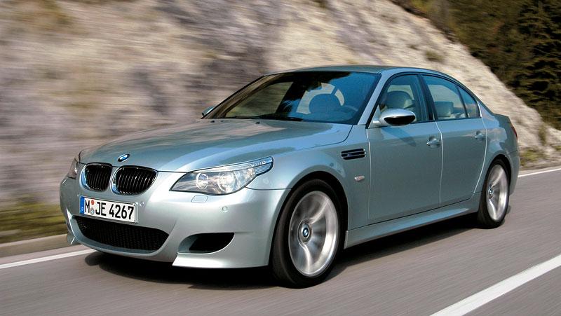 Pod lupou: BMW M5 - Bavorský dálniční expres: - fotka 99