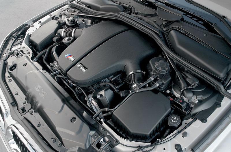 Pod lupou: BMW M5 - Bavorský dálniční expres: - fotka 106