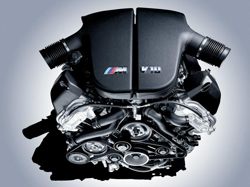 Pod lupou: BMW M5 - Bavorský dálniční expres: - fotka 107
