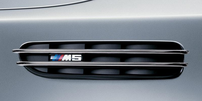 Pod lupou: BMW M5 - Bavorský dálniční expres: - fotka 109