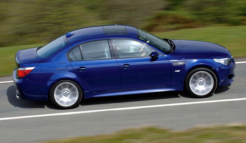 Pod lupou: BMW M5 - Bavorský dálniční expres: - fotka 116