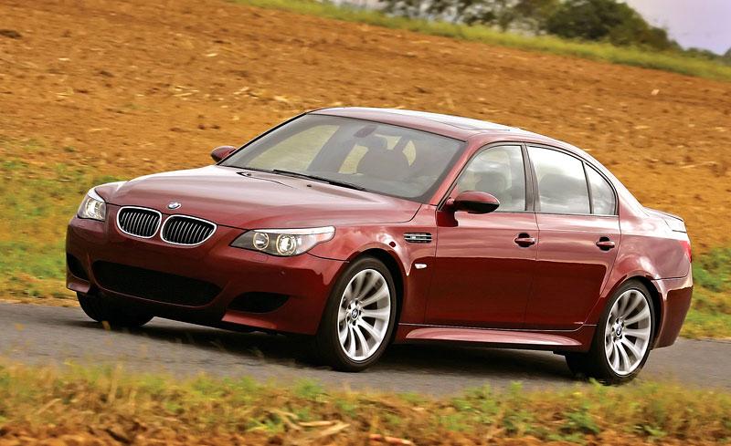 Pod lupou: BMW M5 - Bavorský dálniční expres: - fotka 119