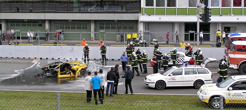 FIA GT: ošklivá havárie při závodě v Brně: - fotka 6
