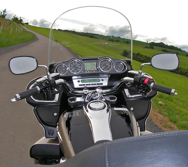 Test: Kawasaki VN1700 Voyager a srovnání s Harley-Davidson Electra Glide: - fotka 4