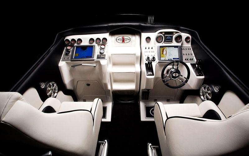 Mercedes-Benz SLS AMG inspirací pro motorový člun Cigarette Racing: - fotka 3