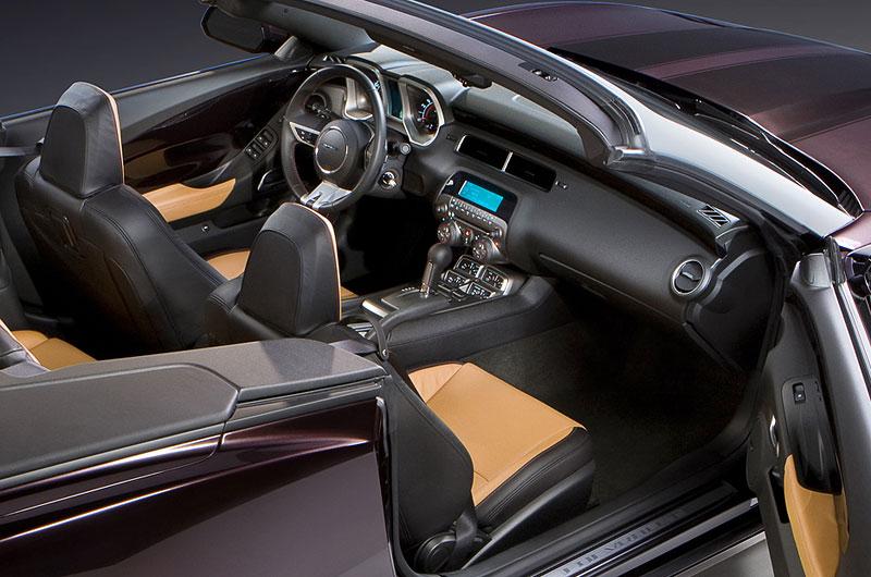 Chevrolet Camaro Convertible míří do katalogu Neiman Marcus: - fotka 1