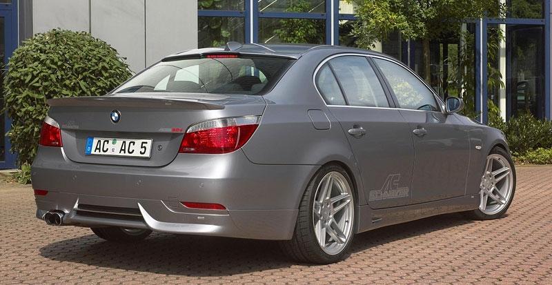 Pod lupou: BMW M5 - Bavorský dálniční expres: - fotka 124
