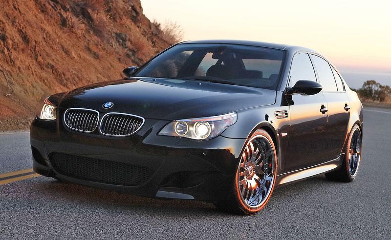 Pod lupou: BMW M5 - Bavorský dálniční expres: - fotka 126